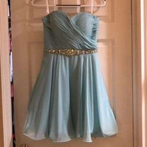 Prom / Homecoming / Semi-Formal Dress Size M